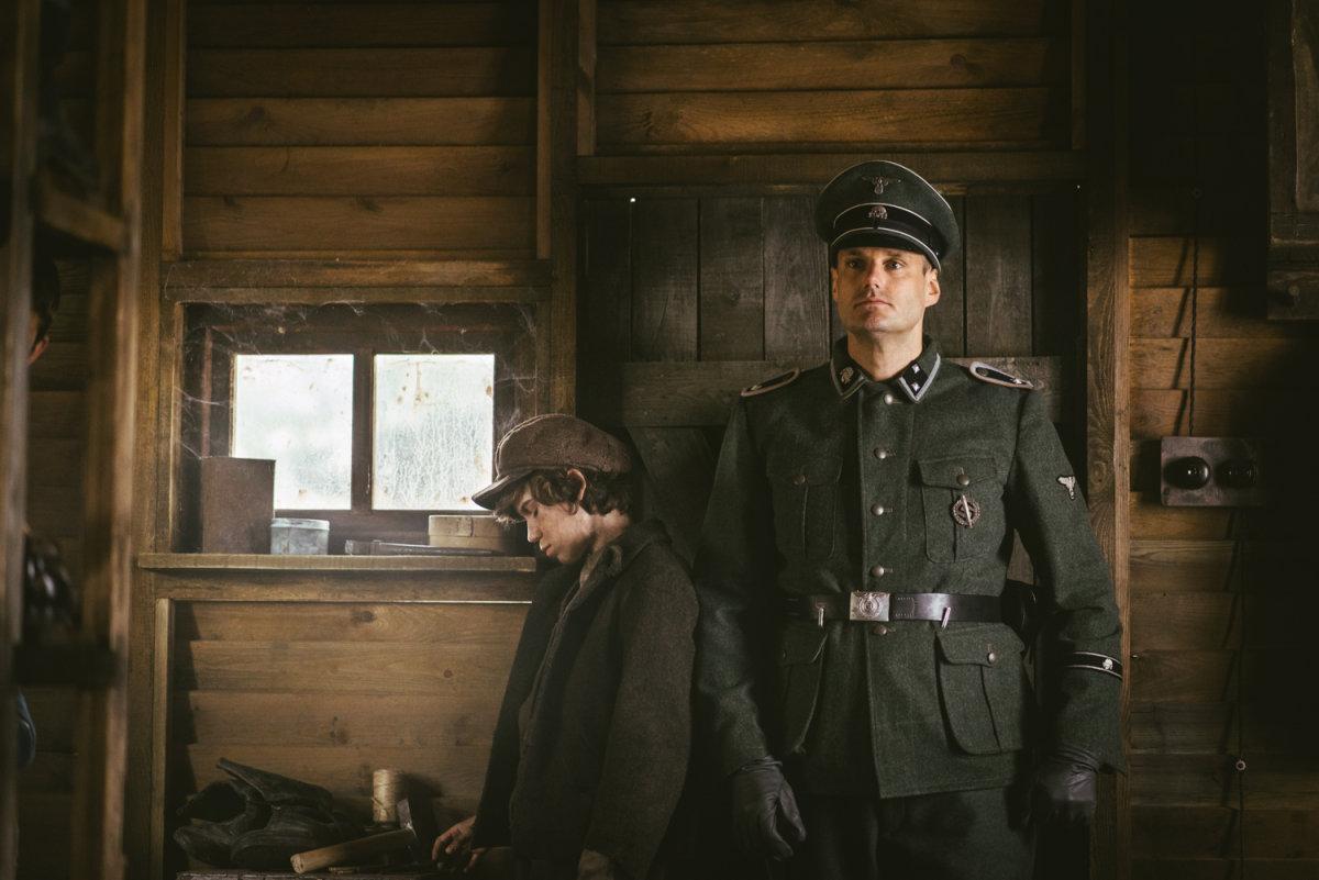 Фильм про немцев извращенцев, порно напоили брюнетку